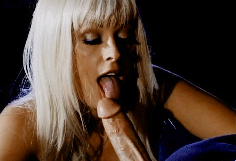 Good Looking blonde beauty Gets Penetrated In Her Ass By PeterNorth