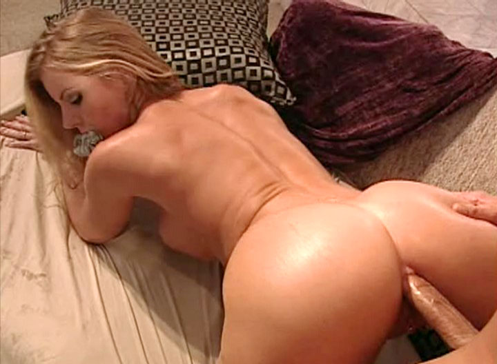 Cute blondie MILF Chick getting her ass boned rough sex here
