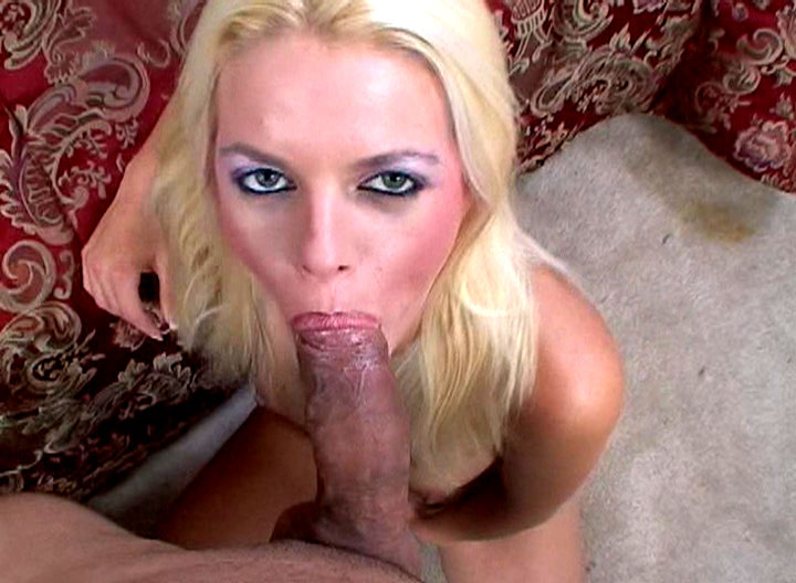 Sexy Blonde Blows A Big Fat Cock & Gets Mouth Cumshot