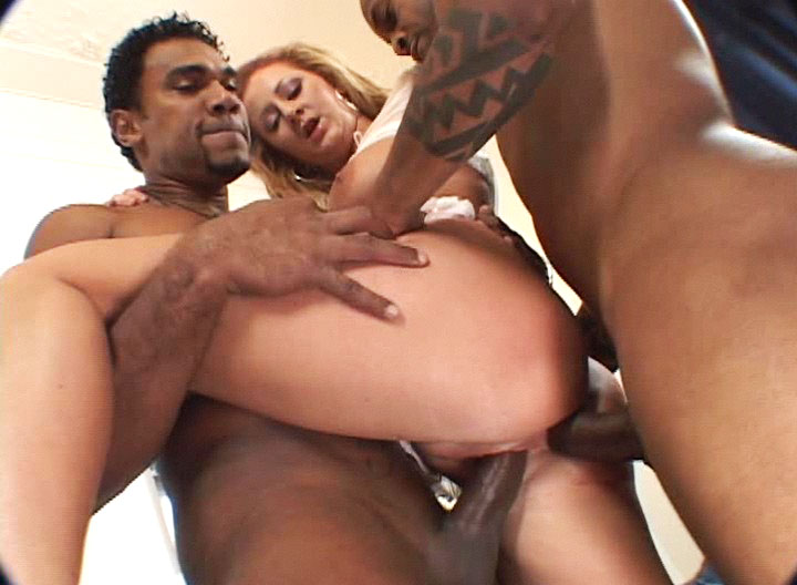 Hoe Gets Her Ass Drilled By 2 Big Black Dicks & Gets Cumshot