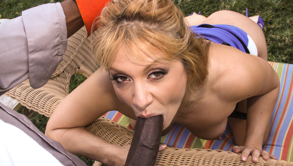 Sean the maintenance guy gets worked over by horny blonde