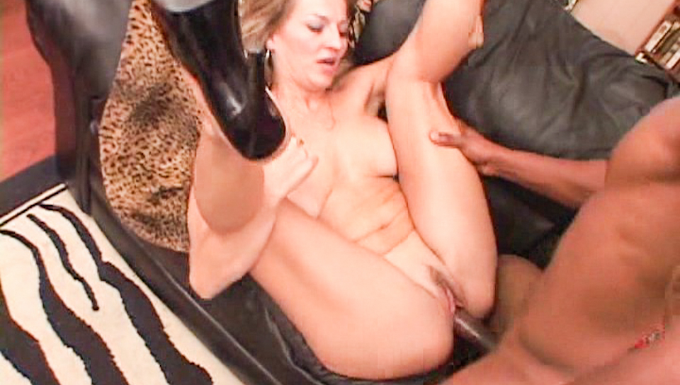 Well endowed MILF takes hot interracial load on her face !