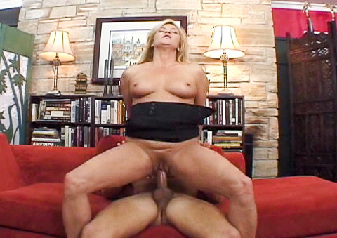 MILF Ginger Lynn wants a cream pie in her nice pussy!