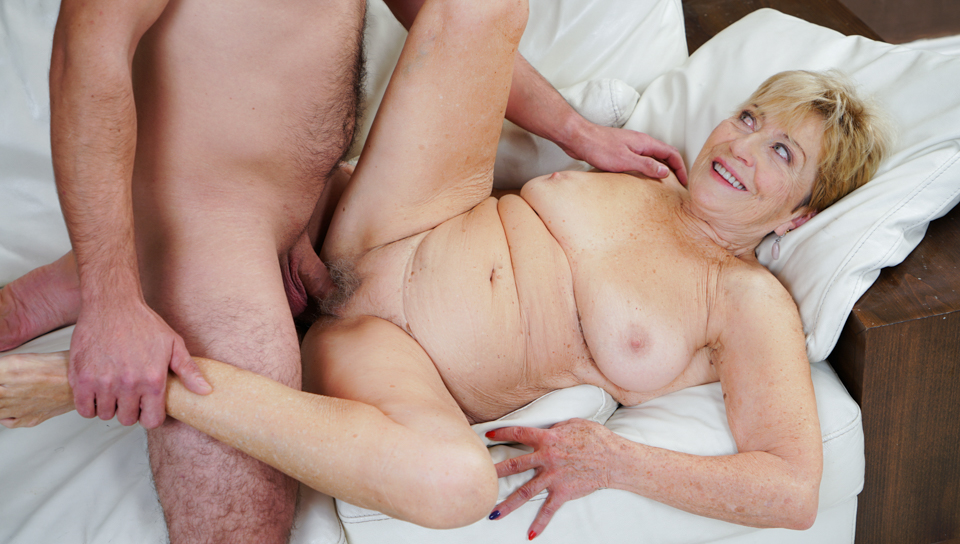 Rob is happy to spends a little time with horny granny Malya