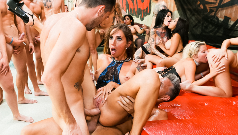 Great orgy w classy bitches taking dicks in all their holes