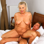 Granny Betsy gets her ripe peach pounded by young hard stud