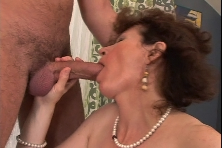 Horny Mom Sucks Cock Like Maniac And Gets A Nice Cumshot