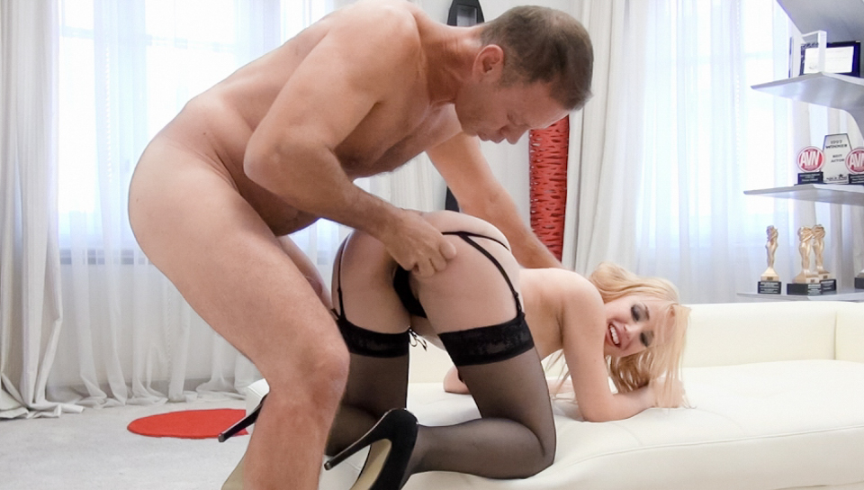 Rocco Siffredi & Alana Moon - New 18YO Was A Virgin Two Weeks Ago!