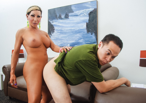 Ariel assufucks the handsome and sophisticated Eric Jover