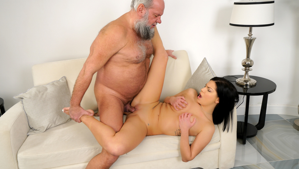 Annie Likes Old Guys