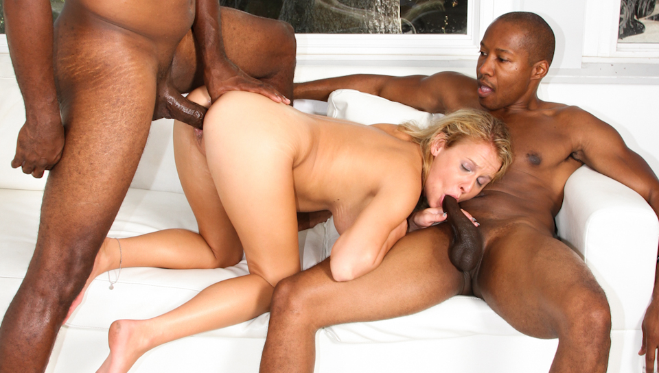 Blonde white slut get penetrated hardcore by a black gang!