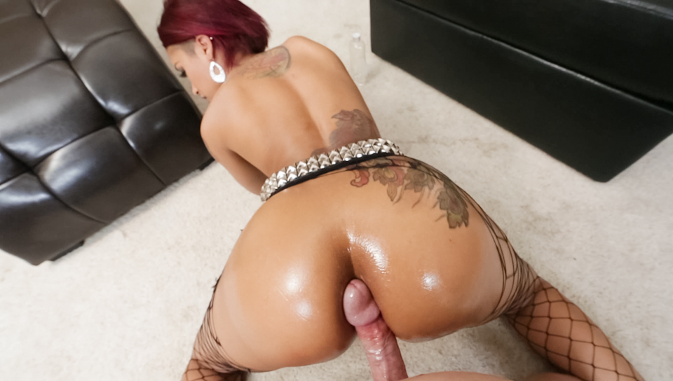 Skin Diamond teases Kevin Moore and then gives him a blowjob