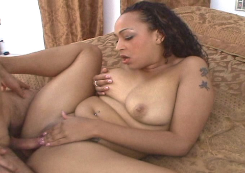 Natural ebony girl in hot interracial action gets creamer