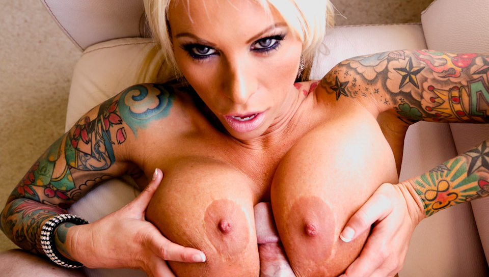 Mega huge tits lovers! Check out Lolly's titties adventure!