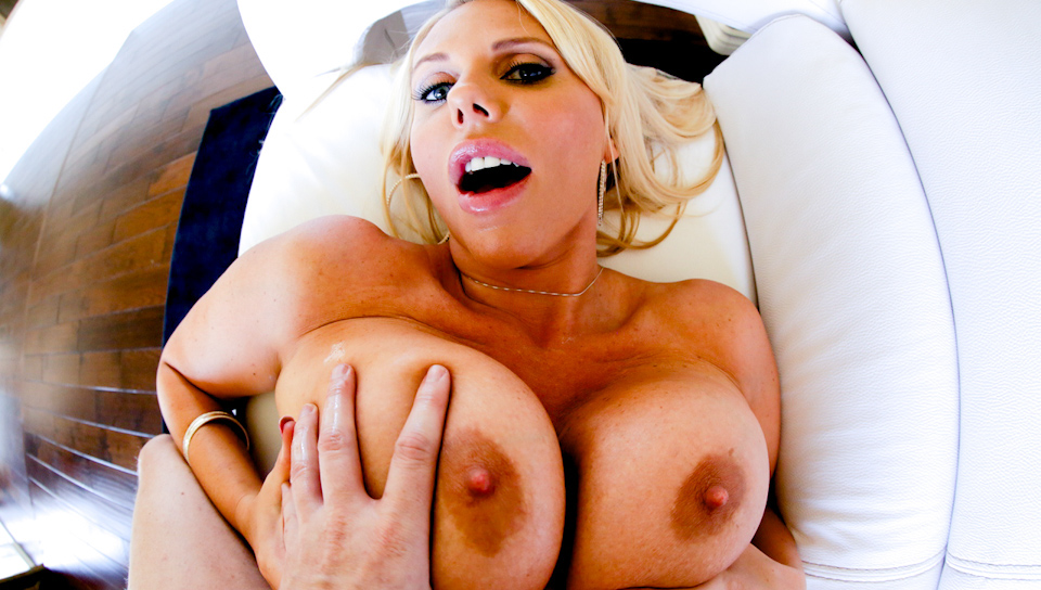 Wanna see gigantic boobs? Click here! You wont regret it!