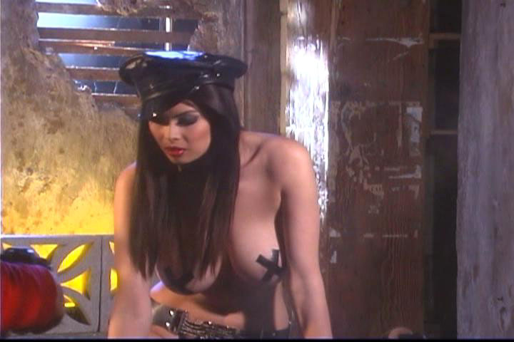 Tera Patrick behind the scene of photoshoot smoke and bike !