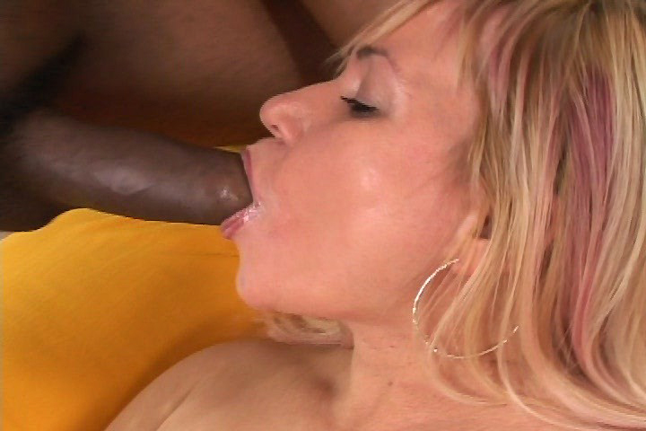 Nasty Venus Performs Nasty Creampie After Fucking Black Cock