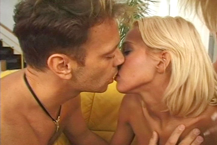 Cassandra Wilde individual models video from Rocco Siffredi