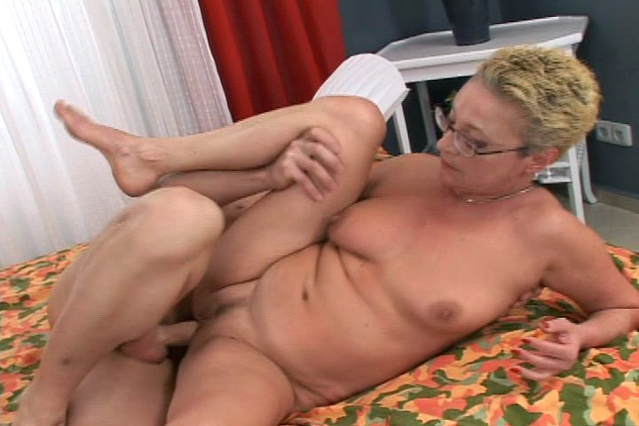 Nasty 50year Slut Gets Fucked Hardcore & Gets Big Cumshot