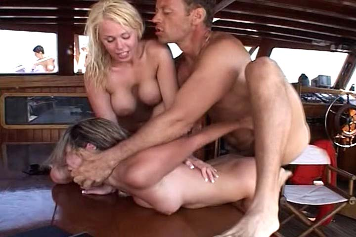 Rocco Siffredi have a gorgeous threesome on a sail boat !