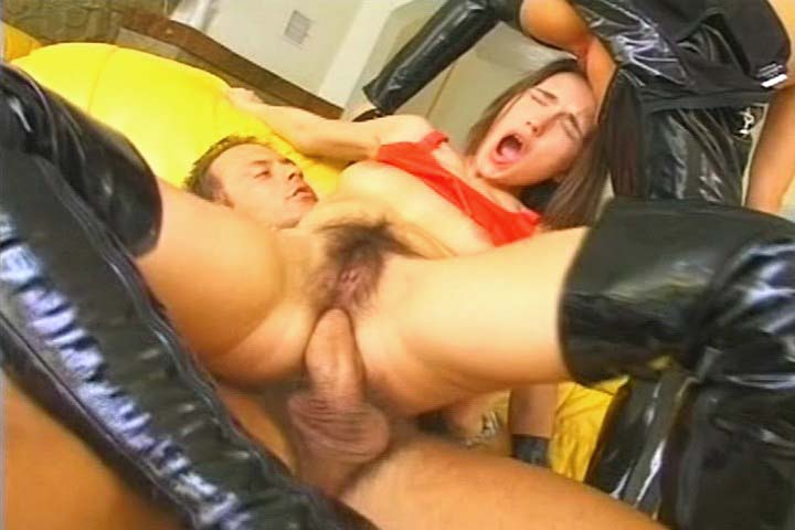 Rocco fucking 2 kinky chicks in threesome on a yellow couch