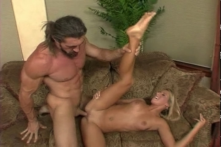 Horny Teen Gets Fucked By Big Muscular Man & Gets Facial