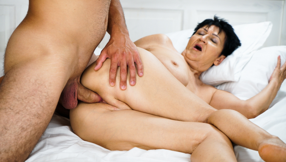 Old granny Anastasia gets fuck by Rob and loves it