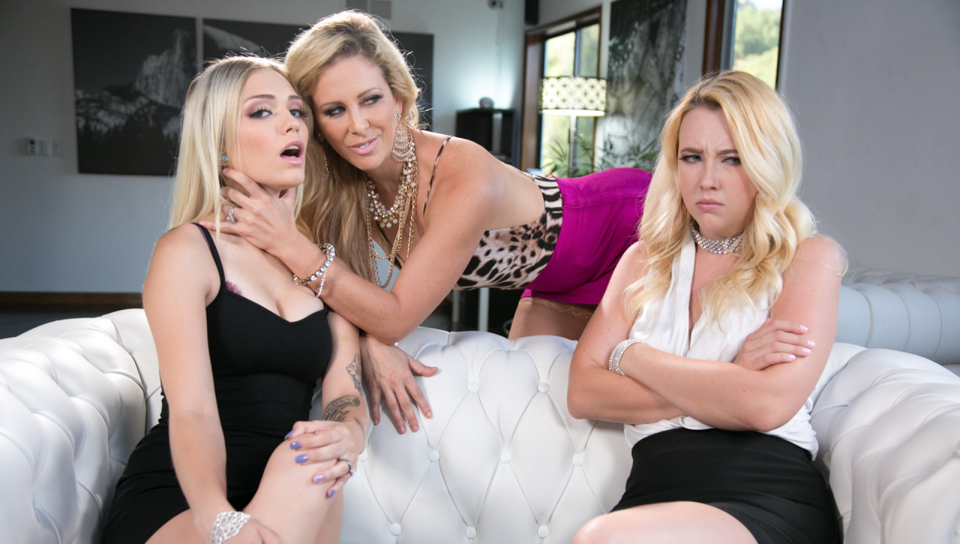 Cherie DeVille & Samantha Rone & Alex Grey - Mafia Mom