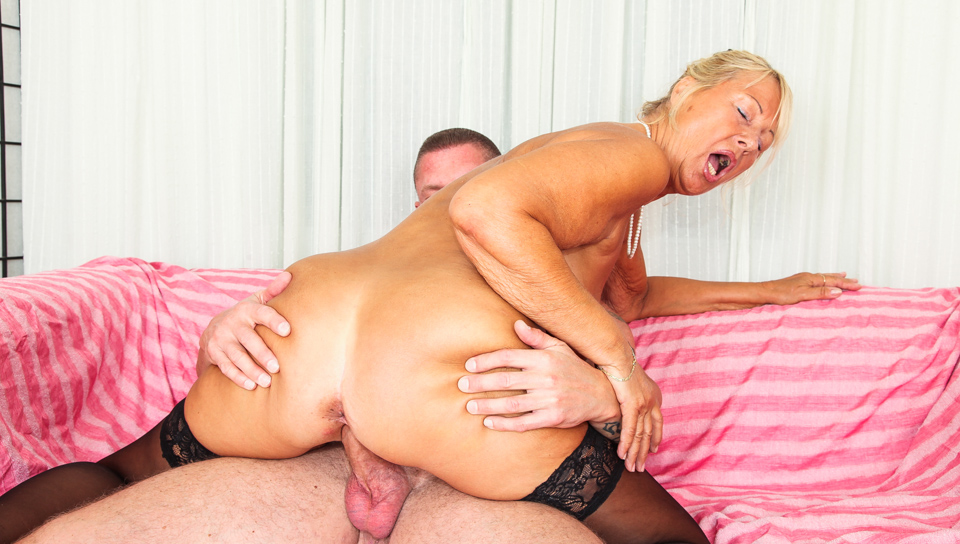 Granny Lucy Fuck 23