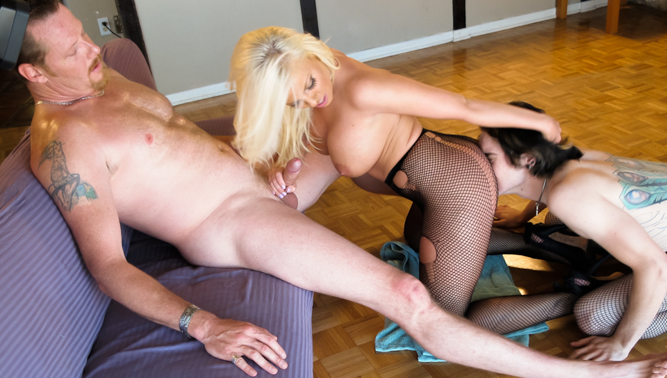 Nasty Britney Amber pounded by lover in front of her hubby