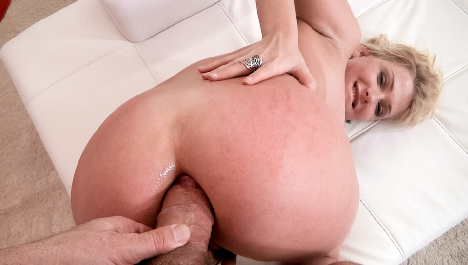 Lucy Heart loves rough fucking and that's what she gets