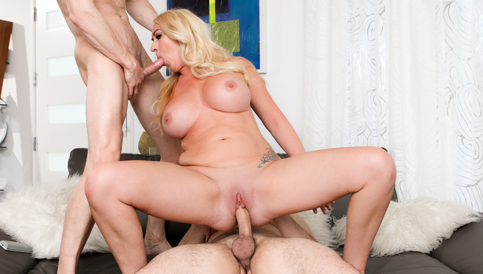 Stunning Janna Hicks loves to get her tight pussy destroyed