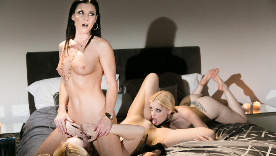 India Summer & Charlotte Stokely & Samantha Rone - The Business of Women Part Two: Homecoming