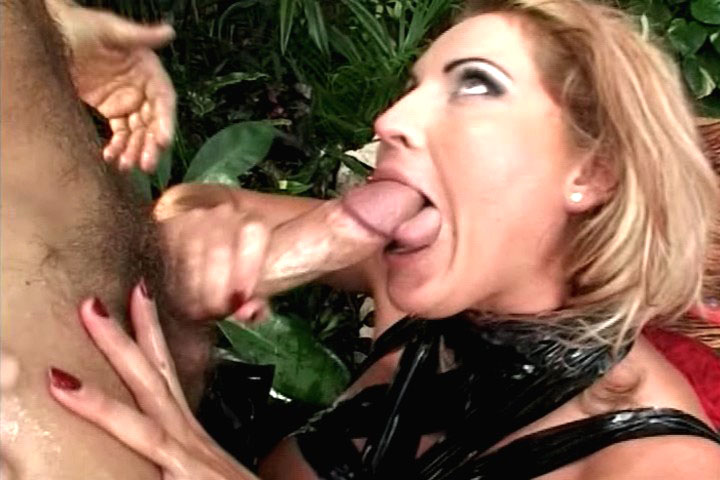 Rocco Siffredi fucks a curvy chick with enormous breast