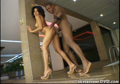 Filthy whore crazy about black dicks receives a good facial