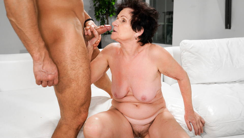 Stunning granny loves to have a big hard cock in her pussy