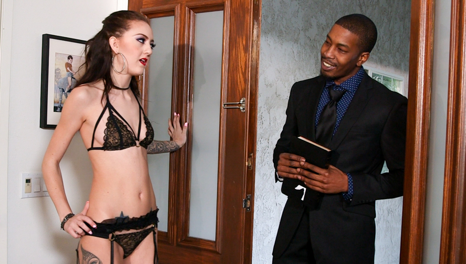 Isiah Maxwell & Kendra Cole - Cheating With Black Cock -