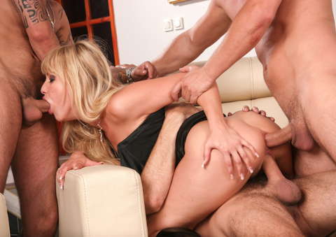 Blonde bombshell Natalli DiAngelo gets cocked in everyhole