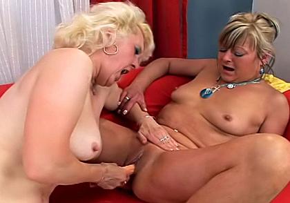 real amateur porn Lesbian Moms