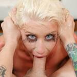 Hot blonde Riley Jenner's expert deepthroat session