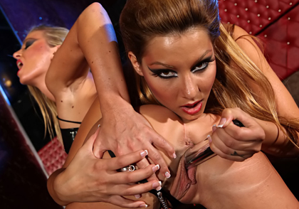 Leather Lesbians Dorina Golden & Cindy Hope