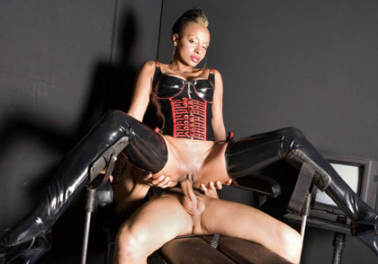 Latex Clad Ebony LaLa Riding a Cock