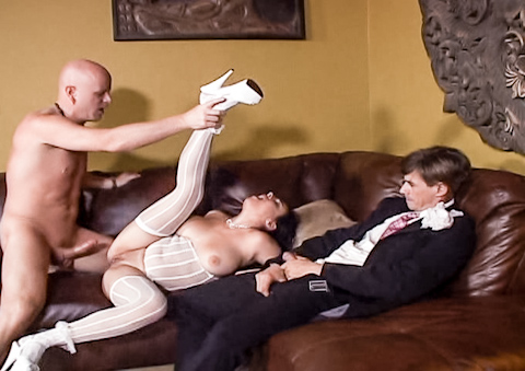 horny bride gets a creampie and snowballs it in dudes mouth