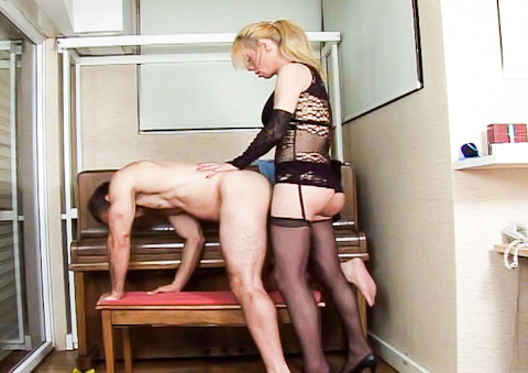 horny blonde tranny fucks a horny guy in his tight asshole