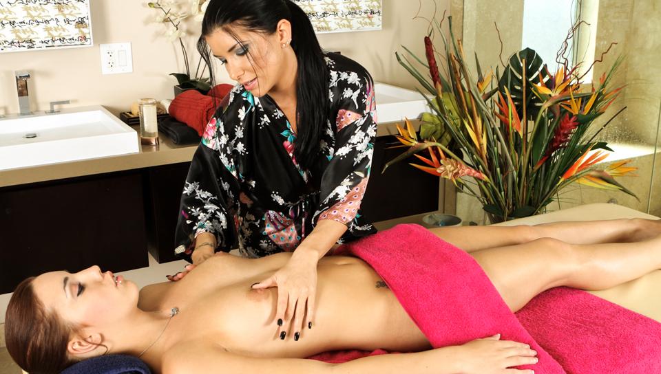 Magnifique Massage – Lesbian Video