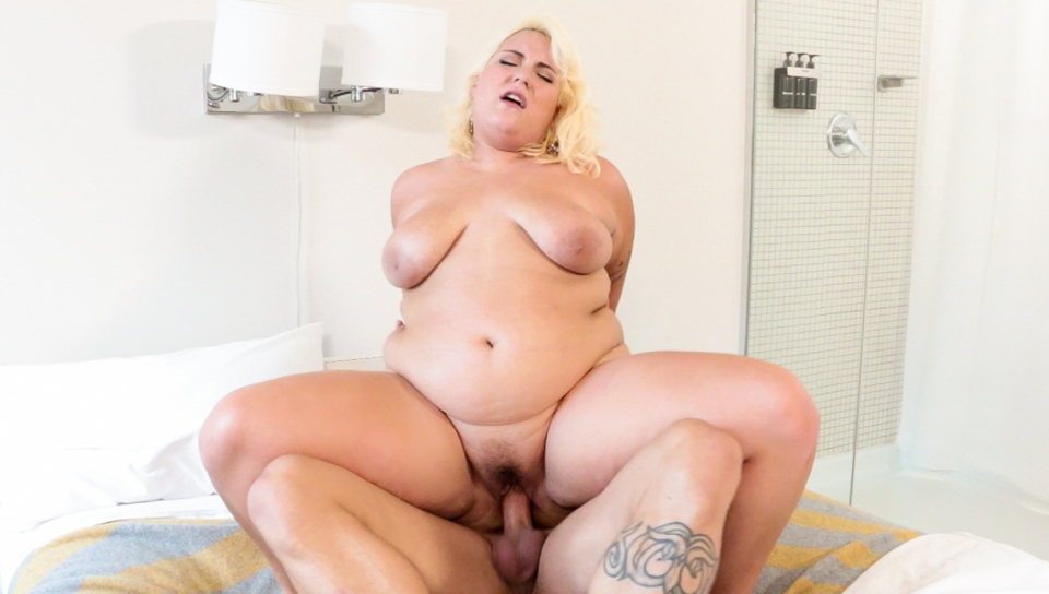 Hot BBW Jade shows off her cock riding skills for Derrick.