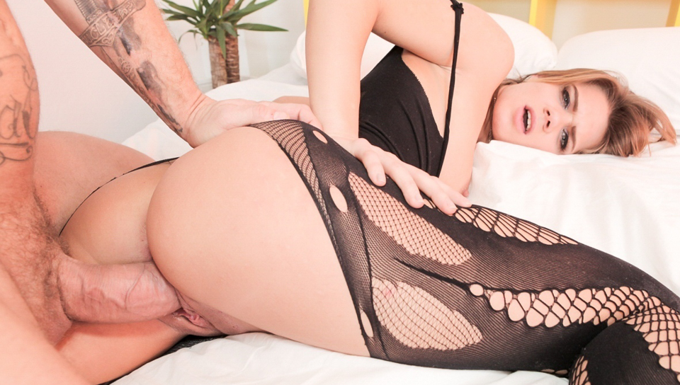 Nacho Vidal & Lara West - Huge Cock Fucks, Spunks Big-Assed Lara