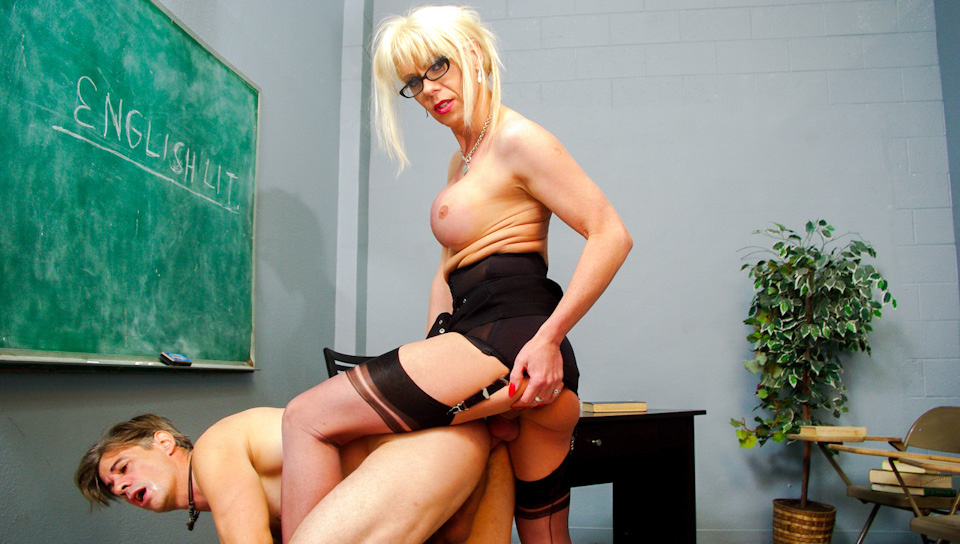 Joanna Jet's Dirty Student Punished By Her Big Magic Stick!