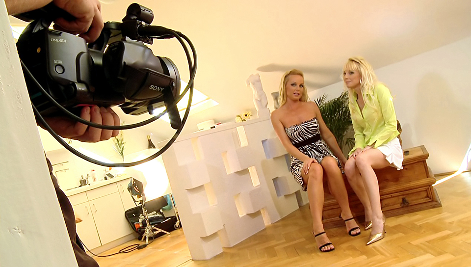 Silvia Saint and her friend Lena in a Cute behind she scenes!
