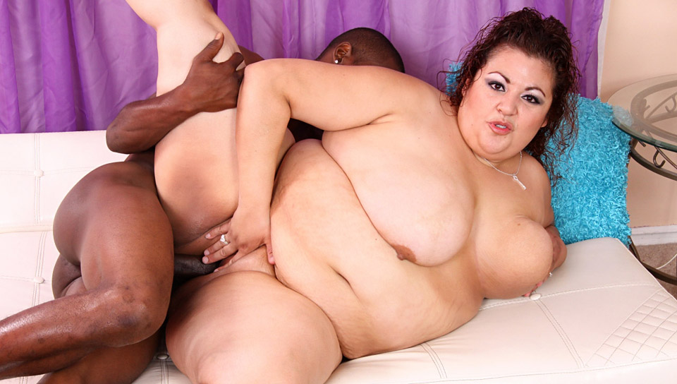 prominent Fat Chicks large Black Dicks 01